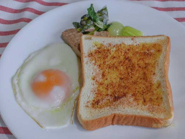 シナモントースト オリーブオイル+フライエッグ