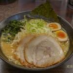 定番(シンプル)な赤 麺大盛り(無料)麺固め