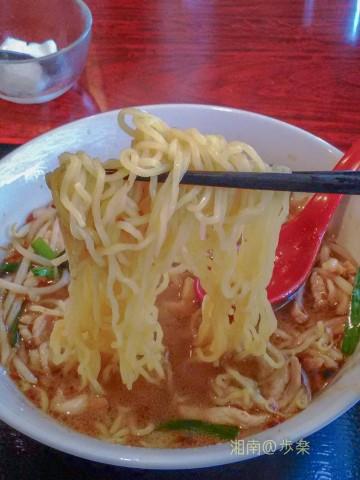 麺は中国麺なので 食感がもう一つ