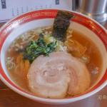 カツオ風味の薄口しょうゆの細麺