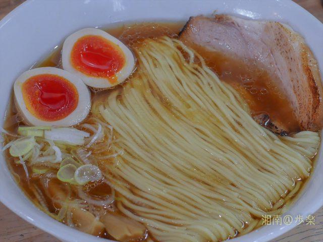 鶏豚魚の出汁に甘醤油が絡んで円やかコク仕立て